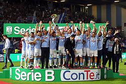 """Foto Filippo Rubin<br /> 18/05/2017 Ferrara (Italia)<br /> Sport Calcio<br /> Spal vs Bari - Campionato di calcio Serie B ConTe.it 2016/2017 - Stadio """"Paolo Mazza""""<br /> Nella foto: la Spal alza la coppa<br /> <br /> Photo Filippo Rubin<br /> May 18, 2016 Ferrara (Italy)<br /> Sport Soccer<br /> Spal vs Bari - Italian Football Championship League B ConTe.it 2016/2017 - """"Paolo Mazza"""" Stadium <br /> In the pic: Spal celebrate"""