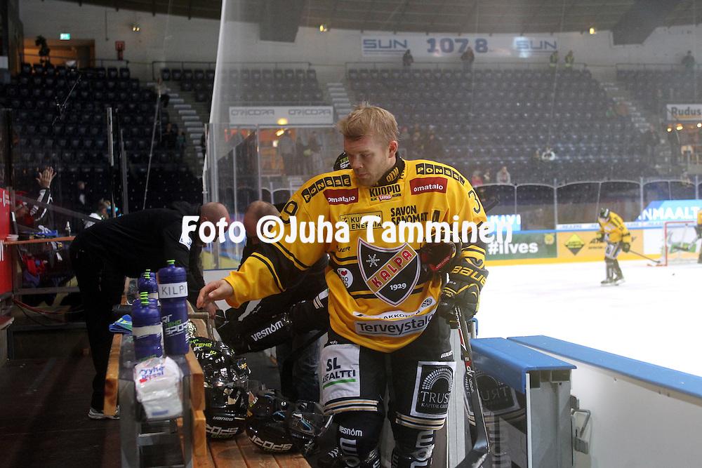 15.10.2014, Hakamets&auml;n halli, Tampere..<br /> J&auml;&auml;kiekon SM-liiga 2014-15. Ilves - KalPa.<br /> Jukka Voutilainen - KalPa