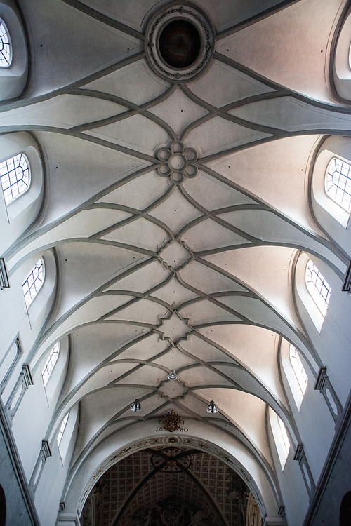 The ceiling at the Constance Minster (Konstanzer Münster). The condemnation of Jan Hus took place on 6 July 1415, in the presence of the assembly of the Council in the Cathedral (Minster). After the High Mass and Liturgy, Hus was led into the church. The Bishop of Lodi delivered an oration on the duty of eradicating heresy; then some theses of Hus and Wycliffe and a report of his trial were read.
