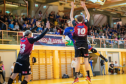30.03.2019, Sporthalle Leoben Donawitz, Leoben, AUT, spusu HLA, Union JURI Leoben vs Sparkasse Schwaz Handball Tirol, Qualifikationsrunde, 9. Spieltag, im Bild v.l.: Alexander Pyshkin (Sparkasse Schwaz Handball Tirol), Marko Tanaskovic (Union JURI Leoben), Isak Rafnsson (Sparkasse Schwaz Handball Tirol) // during the spusu Handball League Austria qualification round, 9th round match between Union JURI Leoben and Sparkasse Schwaz Handball Tirol at the Sporthalle Leoben Donawitz in Leoben, Austria on 2019/03/30. EXPA Pictures © 2019, PhotoCredit: EXPA/ Dominik Angerer