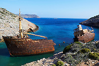 Grece, les Cyclades, ile de Amorgos, epave du bateau filmé dans Le Grand Bleu de Luc Besson // Greece, Cyclades islands, Amorgos, wreck of the boat from The Big Blue moovie