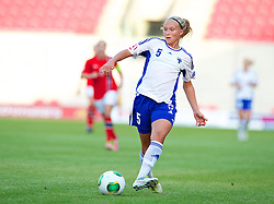 LLANELLI, WALES - Thursday, August 22, 2013: Finland's Emma Koivisto in action against Norway during the Group B match of the UEFA Women's Under-19 Championship Wales 2013 tournament at Parc y Scarlets. (Pic by David Rawcliffe/Propaganda)