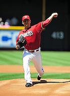 Apr. 10 2011; Phoenix, AZ, USA; Arizona Diamondbacks pitcher Joe Saunders (34) pitches against the Cincinnati Reds at Chase Field. Mandatory Credit: Jennifer Stewart-US PRESSWIRE.