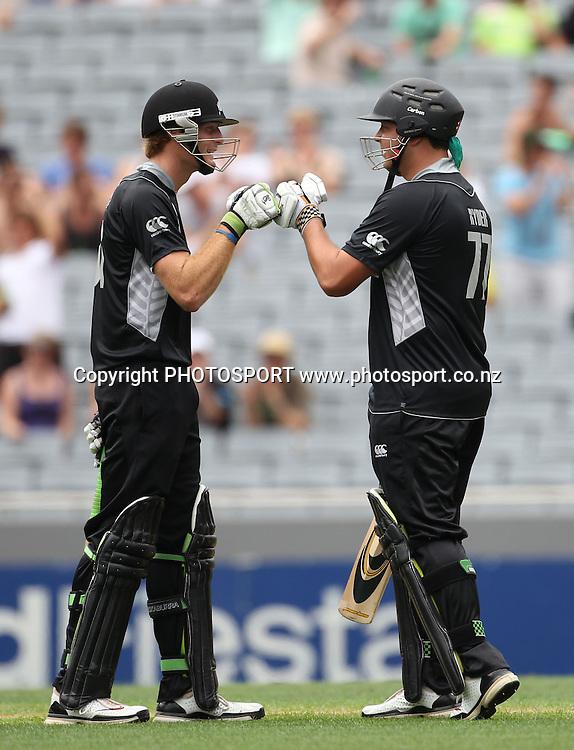 Martin Guptill and Jesse Ryder during the 6th ODI, Black Caps v Pakistan, One Day International Cricket. Eden Park, Auckland, New Zealand. Saturday 5 February 2011. Photo: Andrew Cornaga/photosport.co.nz
