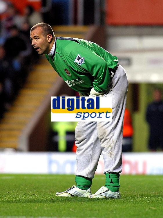 Photo: Dave Linney.<br />Aston Villa v Bolton Wanderers. The Barclays Premiership. 16/12/2006.Villa on loan keeper  Gabor Kiraly
