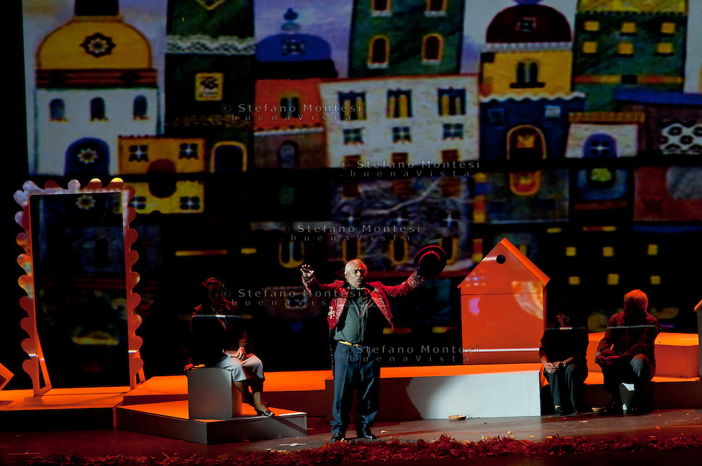 """Roma 11 Ottobre 2010.Teatro Sistina.""""Là dove c'era l'erba"""" spettacolo teatrale  con la regia di Carlo Del Giudice gli interpreti sono gli ospiti dell'Ostello Caritas """"Don Luigi Di Liegro"""".""""La dove c'era l'erba""""  è lo spettacolo tratto dal laboratorio teatrale che vede protagonisti gli ospiti dei servizi dell'Area Ascolto e Accoglienza della Caritas di Roma, con un copione che prende spunto e ispirazione dalla loro storia, dai loro vissuti, dai loro sentimenti.."""