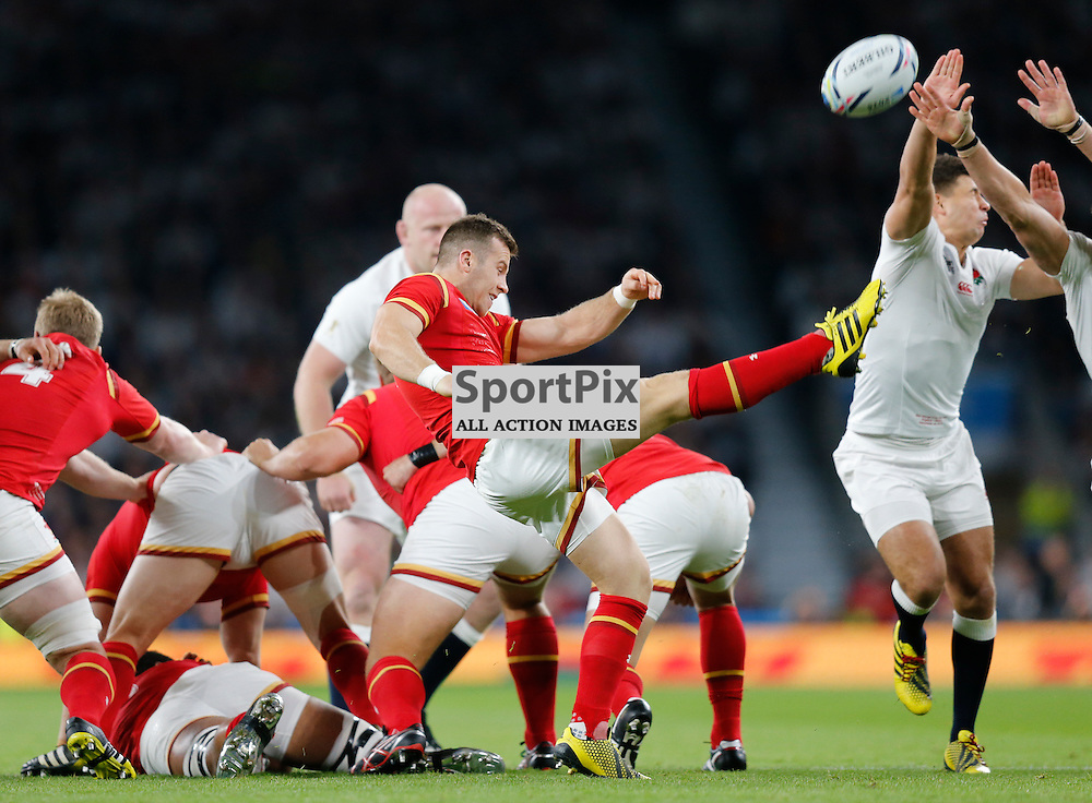 TWICKENHAM, ENGLAND - SEPTEMBER 26:  Gareth Davies of Wales clears the ball during the 2015 Rugby World Cup Pool A match between England and Wales at Twickenham Stadium on September 26, 2015 in London, England. (Credit: SAM TODD | SportPix.org.uk)