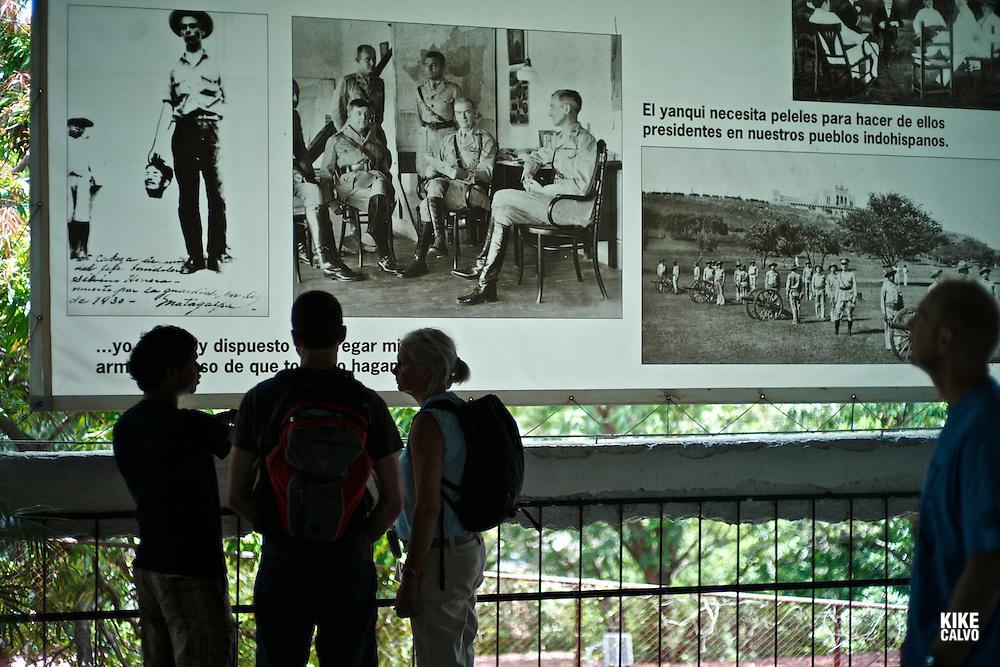 Parque Nacional de la Loma de Tiscapa. Former Somoza palace, enormous.sandino statue and small history exhibit.