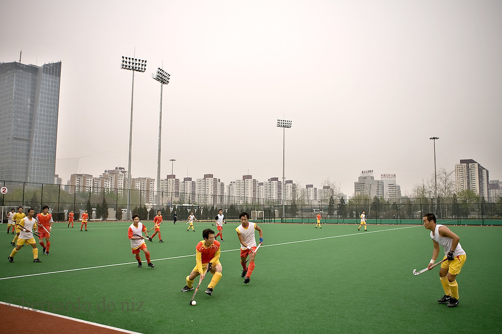Chinese Athletes train in the chinese national center for hight performance sports, in Beijing, China, on April 11, 2008. Photographer: Bernardo De Niz.