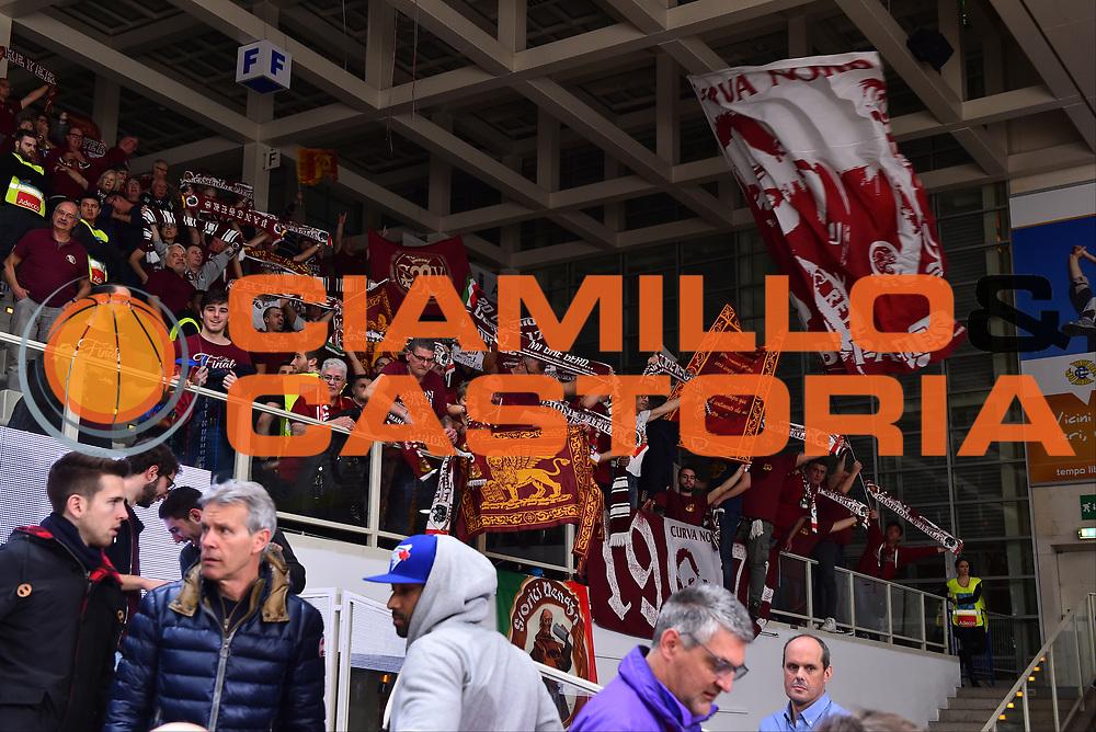 Campionato Italiano Basket 2017/18<br /> 17° Giornata - Ritorno - <br /> Trento 28/01/2018<br /> Dolomiti Energia Trentino - Umana Reyer Venezia79-83 <br /> Nella foto tifosi supporters  venezia <br /> Foto GiulioCiamillo/Ciamillo-Castoria