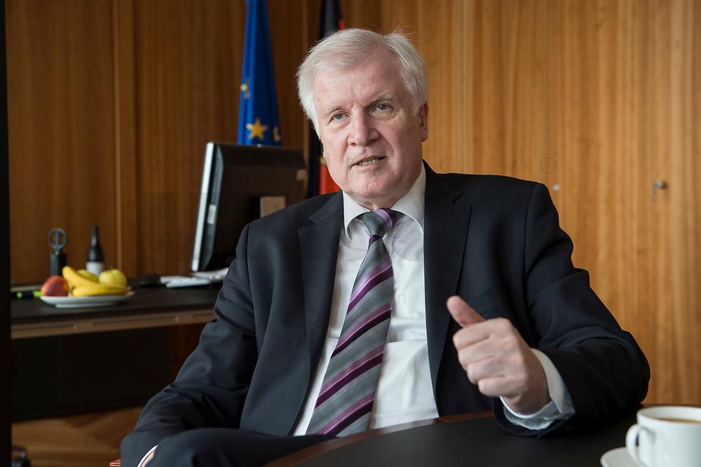 20 JUN 2018, BERLIN/GERMANY:<br /> Horst Seehofer, CSU, Bundesinnenminister, waehrend einem Interview, in seinem Buero, Bundesministerium des Inneren<br /> IMAGE: 20180620-02-002<br /> KEYWORDS: Büro