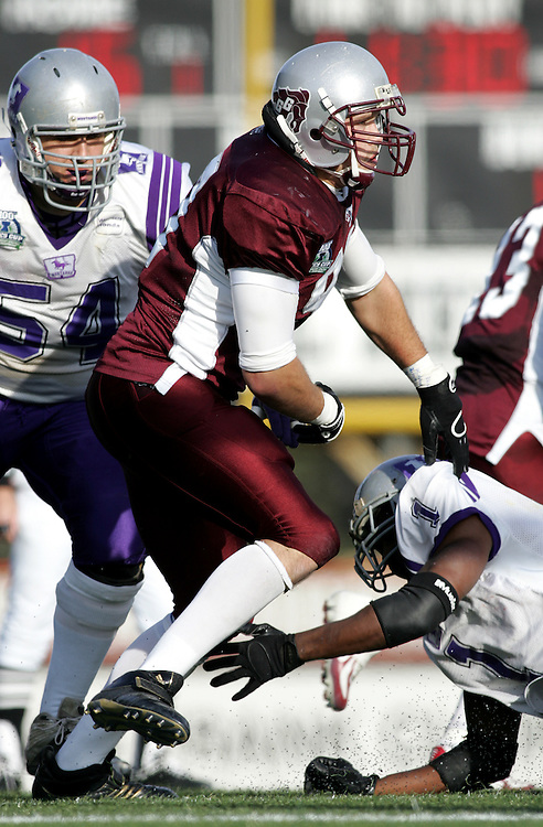(3 November 2007 -- Ottawa) The University of Ottawa Gee Gees lost to the University of Western Ontario Mustangs 16-23 in OUA football semi-final action in Ottawa. The University of Ottawa Gee Gee player pictured in action is Tyler Dawe