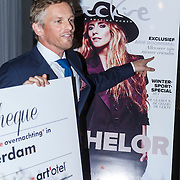 NLD/Amsterdam\/20131022 - Jackie's Bachelor List 2013, Bekendmaking winnaar Barry Atsma door zwangere Marvy Rieder en hoofdredactrice Suzanne Arbeid