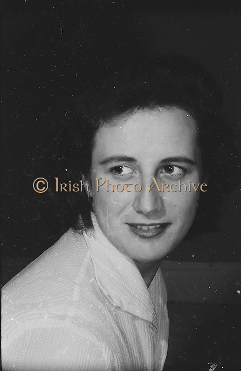 "Gael Linn.Pictured at the rehearsals is Cait Ni Chonchubhair who is taking part in the Gael Linn production of Seán Ó Riada's ""Spailpin a Ruin"" premiere at Damer Theatre, Stephen's Green as part of the International Theatre Festival..08.09.1960."