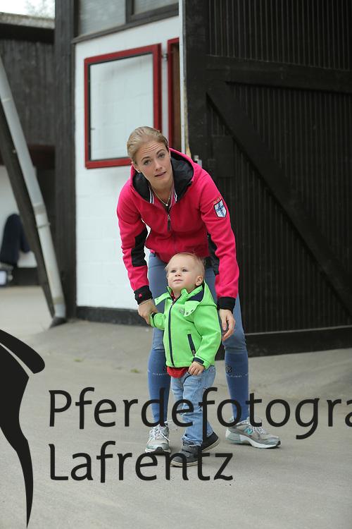 MELCHIOR Judy-Ann (BEL) mit Sohn Leon<br /> Portrait Christian Ahlmann<br /> &copy; www.sportfotos-lafrentz.de/Stefan Lafrentz