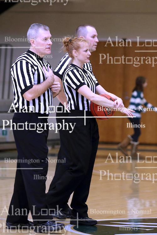 07 January 2017:  Robyn Foster, middle during an Wheaton Thunder and the Illinois Wesleyan Titans in Shirk Center, Bloomington IL