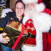 NLD/Hilversum /20131210 - Sky Radio Christmas Tree For Charity 2013, Frans Bauer met kerstman