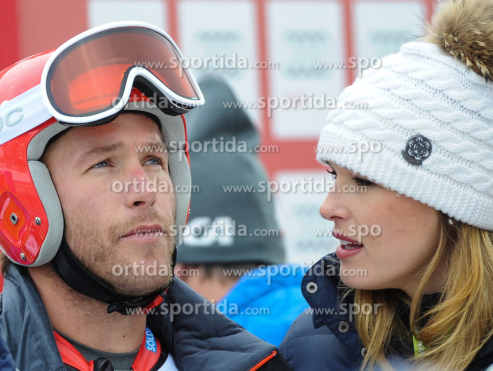 20.12.2013, Saslong, Groeden, ITA, FIS Ski Weltcup, Groeden, Herren, SuperG, im Bild Bode Miller (USA) mit seinem Sohn und seiner Ehefrau Morgan Miller Beck // Bode Miller and his son ans his wife Morgan Miller Beck during mens Super-G of the Groeden FIS Ski Alpine World Cup at the Saslong Course in Gardena, Italy on 2012/12/20. EXPA Pictures © 2013, PhotoCredit: EXPA/ Johann Groder