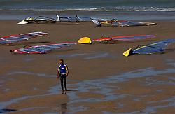 A wind surfer calls it a day. (Photo © Jock Fistick)