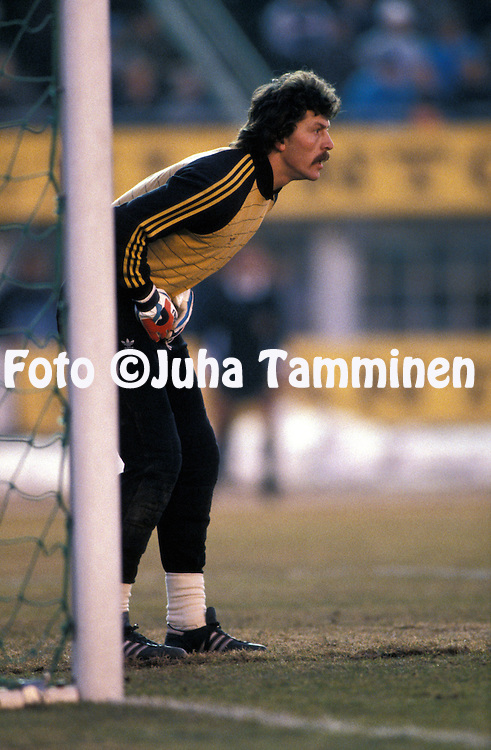 19.03.1986, Olympic Stadium, Helsinki, Finland..European Champions Cup, Quarter Final, 2nd leg match, FC Kuusysi v Steaua Bucuresti..Helmut Duckadam - Steaua.©JUHA TAMMINEN