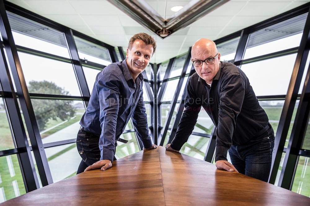 Tynaarlo 20141014. Jan Schut (rechts) en Richard Tapper , oprichters IT-bedrijf New Nexus. foto: Pepijn van den Broeke. kilometers: 37