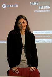 Paula Picinini, Gerente de Relações com os Investidores das Lojas Renner, é uma das responsáveis pela prospecção de acionistas para as Assembléias Gerais da companhia. FOTO: Lucas Uebel/Preview.com