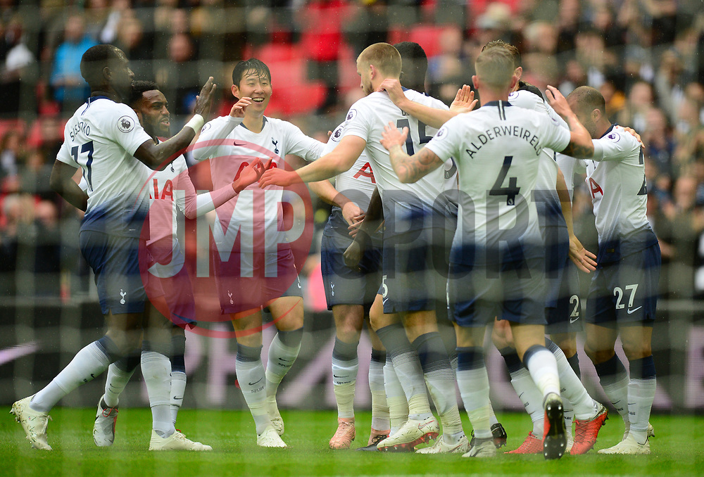 Eric Dier of Tottenham Hotspur celebrates with team. - Mandatory by-line: Alex James/JMP - 06/10/2018 - FOOTBALL - Wembley Stadium - London, England - Tottenham Hotspur v Cardiff City - Premier League
