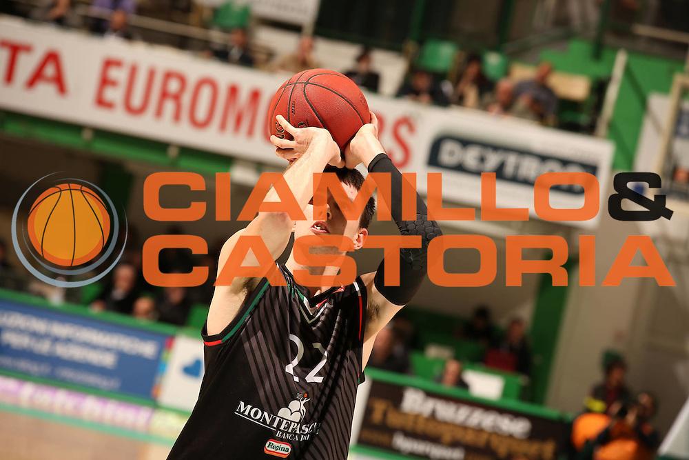 DESCRIZIONE : Siena Eurolega Eurolegue 2012-13 TOP 16 Montepaschi Siena Maccabi Electra Tel Aviv<br /> GIOCATORE : Matthew Janning<br /> SQUADRA : Montepaschi Siena<br /> CATEGORIA : tiro<br /> EVENTO : Eurolega 2012-2013<br /> GARA : Montepaschi Siena Maccabi Electra Tel Aviv<br /> DATA : 27/12/2012<br /> SPORT : Pallacanestro<br /> AUTORE : Agenzia Ciamillo-Castoria/ElioCastoria<br /> Galleria : Eurolega 2012-2013<br /> Fotonotizia : Siena Eurolega Eurolegue 2012-13 Montepaschi Siena Top 16<br /> Maccabi Electra Tel Aviv<br /> Predefinita :