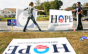 Obama supporters set up along the main drag heading to Hanover where the Democratic Presidential Debate held at Dartmouth College in Hanover, N.H. Wednesday Sept. 26, 2007. (New York Times Photo/Cheryl Senter)