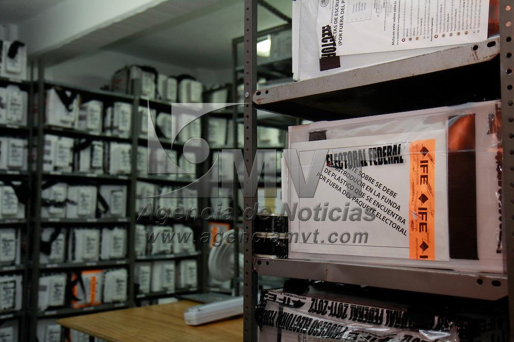 Toluca, México.- En punto de las ocho de la mañana los 300 consejos distritales del país, incluyendo los 40 del Estado de México, iniciaron los cómputos distritales a fin de dar certeza a los resultados de la Jornada Electoral del primero de julio. Agencia MVT / Crisanta Espinosa
