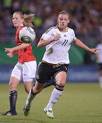 16.06.2011, Bruchwegstadion, Mainz, FIFA WOMENS WORLDCUP 2011, Deutschland (GER) vs. Norwegen (NOR), im Bild  Alexnadra Popp (Deutschland #11, Duisburg) waehrend eines Vorbereitungsspiels // during a friendly match on 2011/06/16, Bruchwegstadion, Mainz, Germany. + EXPA Pictures © 2011, PhotoCredit: EXPA/ nph/  Roth       ****** out of GER / SWE / CRO  / BEL ******