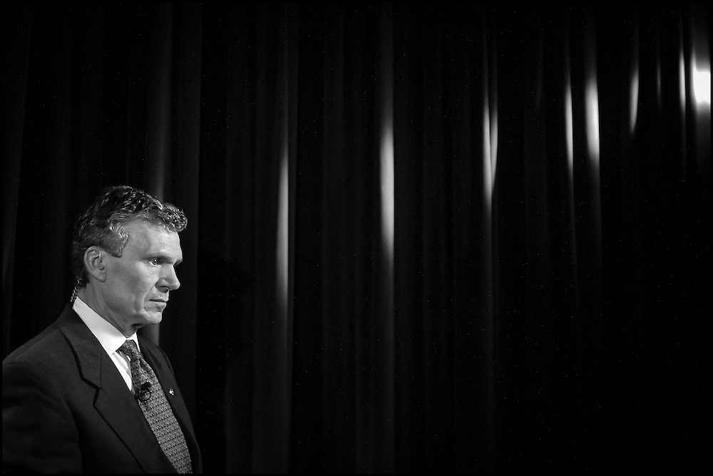 Senate Majority Leader Tom Daschle waits to do a remote interview with NBC's Tom Brokaw.  10/17/01..©PF BENTLEY/PFPIX.com