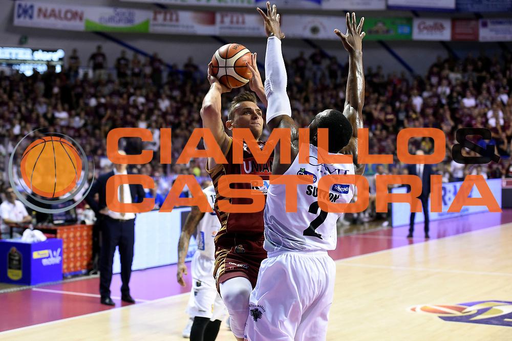 Stefano Tonut<br /> Umana Reyer Venezia - Dolomiti Energia Aquila Basket Trento<br /> Lega Basket Serie A 2016/2017<br /> Playoff, finale gara 5<br /> Venezia, 18/06/2017<br /> Foto M.Ceretti / Ciamillo-Castoria
