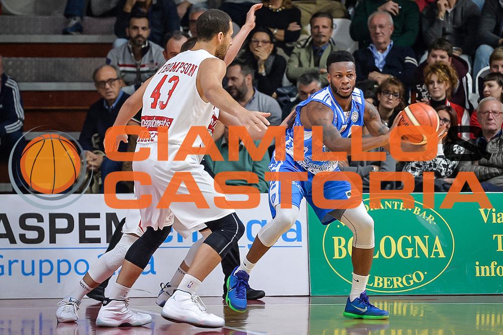 DESCRIZIONE : Varese Lega A 2015-16 Openjobmetis Varese Dinamo Banco di Sardegna Sassari<br /> GIOCATORE : MarQuez Haynes<br /> CATEGORIA : Passaggio<br /> SQUADRA : Dinamo Banco di Sardegna Sassari<br /> EVENTO : Campionato Lega A 2015-2016<br /> GARA : Openjobmetis Varese - Dinamo Banco di Sardegna Sassari<br /> DATA : 27/10/2015<br /> SPORT : Pallacanestro<br /> AUTORE : Agenzia Ciamillo-Castoria/M.Ozbot<br /> Galleria : Lega Basket A 2015-2016 <br /> Fotonotizia: Varese Lega A 2015-16 Openjobmetis Varese - Dinamo Banco di Sardegna Sassari