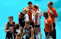 27-09-2015 NED: Volleyball European Championship Nederland - Polen, Apeldoorn<br /> Nederland verslaat Polen met 3-1 / Coach Giovanni Guidetti, Laura Dijkema #14