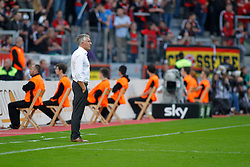 28.09.2013, BayArena, Leverkusen, GER, 1. FBL, Bayer 04 Leverkusen vs Hannover 96, 7. Runde, im Bild Trainer Mirko Slomka (Hannover 96) ist nicht erfreut ueber das Spielgeschehen // during the German Bundesliga 7th round match between Bayer 04 Leverkusen and Hannover at the BayArena, Leverkusen, Germany on 2013/09/28. EXPA Pictures © 2013, PhotoCredit: EXPA/ Eibner/ Grimme<br /> <br /> ***** ATTENTION - OUT OF GER *****