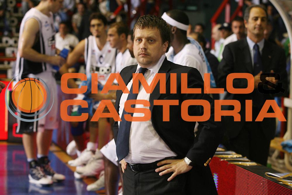 DESCRIZIONE : Napoli Eurolega 2006-07 Eldo Napoli CSKA Mosca<br />GIOCATORE : Betti<br />SQUADRA : Eldo Napoli<br />EVENTO : Eurolega 2006-2007 Eldo Napoli CSKA Mosca<br />GARA : Eldo Napoli CSKA Mosca Moscow<br />DATA : 25/10/2006 <br />CATEGORIA : Ritratto<br />SPORT : Pallacanestro <br />AUTORE : Agenzia Ciamillo-Castoria/G.Ciamillo