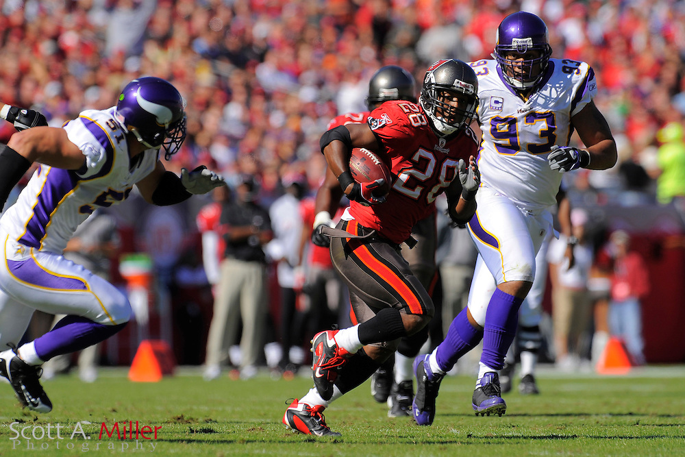 Nov. 16, 2008; Tampa, FL, USA; Tampa Bay Buccaneers running back Warrick Dunn (28) in action during the Bucs game against the Minnesota Vikings at Raymond James Stadium. The Bucs won 19-13. ...©2008 Scott A. Miller