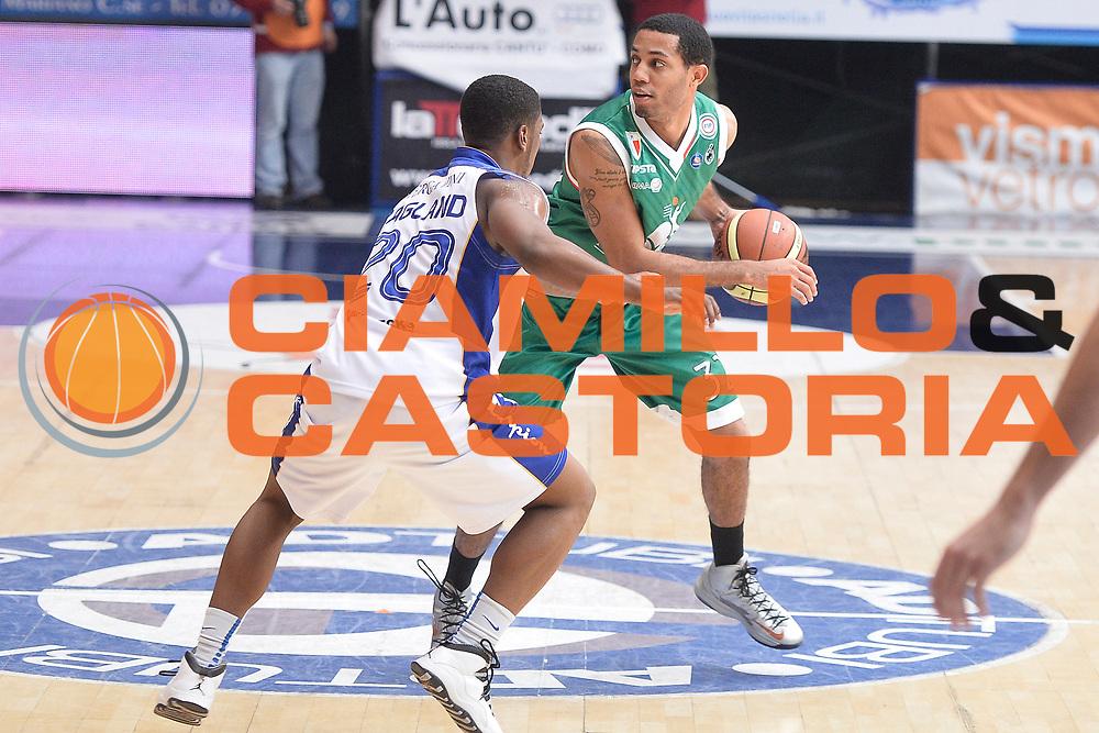 DESCRIZIONE : Cantu' campionato serie A 2013/14 Acqua Vitasnella Cantu' Montepaschi Siena<br /> GIOCATORE : Erick Green<br /> CATEGORIA : palleggio<br /> SQUADRA : Montepaschi Siena<br /> EVENTO : Campionato serie A 2013/14<br /> GARA : Acqua Vitasnella Cantu' Montepaschi Siena<br /> DATA : 24/11/2013<br /> SPORT : Pallacanestro <br /> AUTORE : Agenzia Ciamillo-Castoria/R.Morgano<br /> Galleria : Lega Basket A 2013-2014  <br /> Fotonotizia : Cantu' campionato serie A 2013/14 Acqua Vitasnella Cantu' Montepaschi Siena<br /> Predefinita :