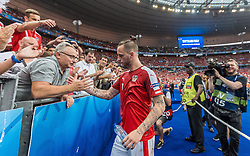 23.06.2016, Stade de France, St. Denis, FRA, UEFA Euro 2016, Island vs Oesterreich, Gruppe F, im Bild Marko Arnautovic (AUT) mit Vater Tomislav // Marko Arnautovic (AUT) with his Father Tomislav during Group F match between Iceland and Austria of the UEFA EURO 2016 France at the Stade de France in St. Denis, France on 2016/06/23. EXPA Pictures © 2016, PhotoCredit: EXPA/ JFK