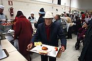 """Roma  24 Dicembre 2006.Ostello """"Don Luigi Di Liegro"""" in Via Marsala.Un  ospite della mensa Caritas di Via Marsala..A guest of the refectory Caritas of Street Marsala"""