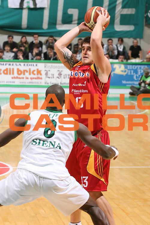 DESCRIZIONE : Siena Lega A1 2007-08 Montepaschi Siena Lottomatica Virtus Roma <br /> GIOCATORE : Simone Bagnoli <br /> SQUADRA : Lottomatica Virtus Roma <br /> EVENTO : Campionato Lega A1 2007-2008 <br /> GARA : Montepaschi Siena Lottomatica Virtus Roma <br /> DATA : 09/12/2007 <br /> CATEGORIA : Passaggio  <br /> SPORT : Pallacanestro <br /> AUTORE : Agenzia Ciamillo-Castoria/G.Ciamillo
