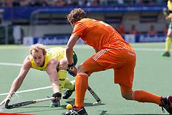 THE HAGUE - Rabobank Hockey World Cup 2014 - 15-06-2014 - MEN - FINAL AUSTRALIA - THE NETHERLANDS 6-1 -  Constantijn JONKER en Aran Zalewski.<br /> Copyright: Willem Vernes