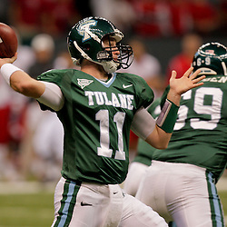 Oct 17, 2009; New Orleans, LA, USA;  Tulane Green Wave quarterback Ryan Griffin (11) throws a pass in the fourth quarter against the Houston Cougars at the Louisiana Superdome. Houston defeated Tulane 44-16. Mandatory Credit: Derick E. Hingle-US PRESSWIRE