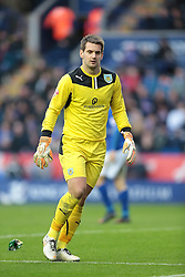 Burnley's Thomas Heaton - Photo mandatory by-line: Nigel Pitts-Drake/JMP - Tel: Mobile: 07966 386802 14/12/2013 - SPORT - Football - Leicester - King Power Stadium - Leicester City v Burnley - Sky Bet Championship