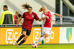 (L-R) Christina Marie Burkenroad of AC Sparta Praha women, Kika van Es of Ajax women during the UEFA Women's Champions League match between Ajax Amsterdam and Sparta Praag at Sportpark De Toekomst on September 12, 2018 in Amsterdam, The Netherlands
