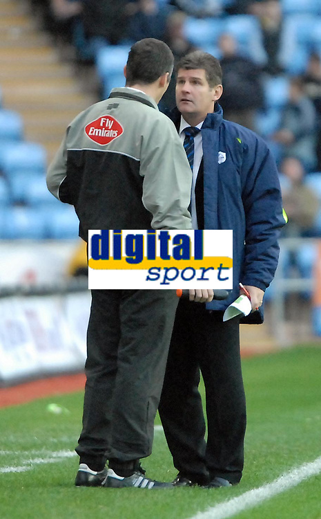 Photo: Ed Godden.<br /> Coventry City v Sheffield Wednesday. Coca Cola Championship. 18/11/2006. Sheffield Wednesday Manager Brian Laws can't believe another of his players has been sent off.