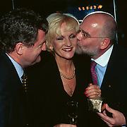 2000ste Voorstelling Tineke Schouten Carre, Tineke en beide managers