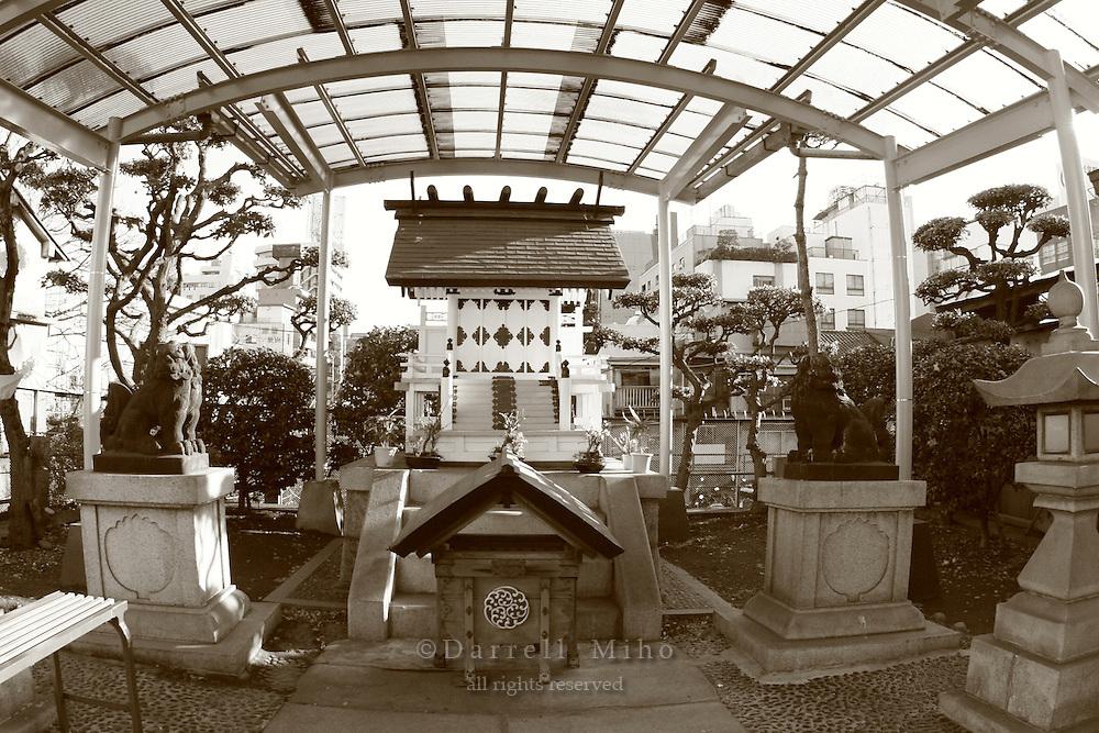 Mar 4, 2006; Tokyo, JPN; Tsukiji.A shrine next to the Tsukiji Market...Photo credit: Darrell Miho