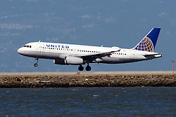 Airbus A320-232 (N431UA) operated by United Airlines landing at San Francisco International Airport (KSFO), San Francisco, California, United States of America